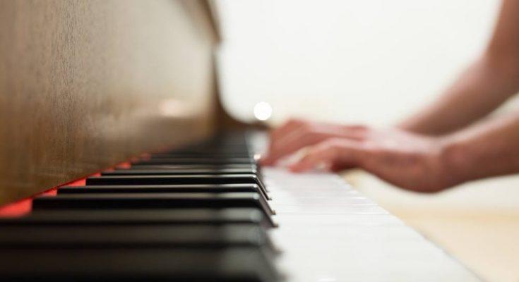 Att spela piano